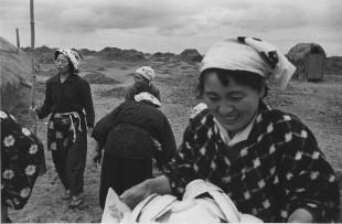 《越後の女、松ヶ崎、新潟》1955年